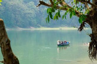 Il lago Phewa a Phokara, Nepal